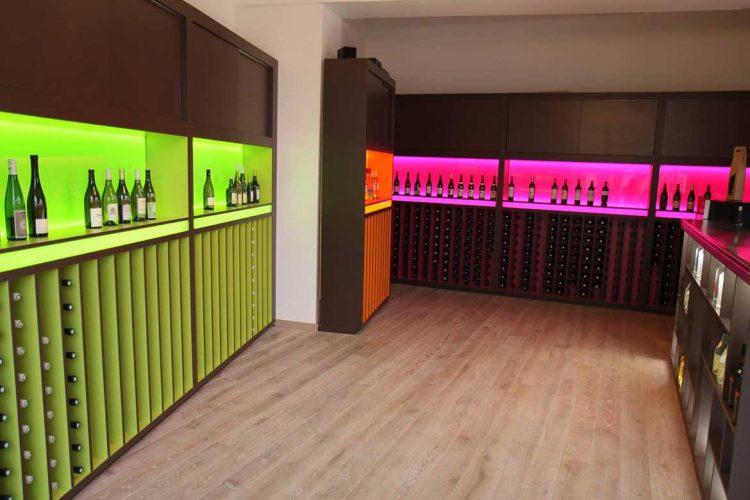 toutes les raisons de s 39 acheter une cave vin personnelle avec. Black Bedroom Furniture Sets. Home Design Ideas