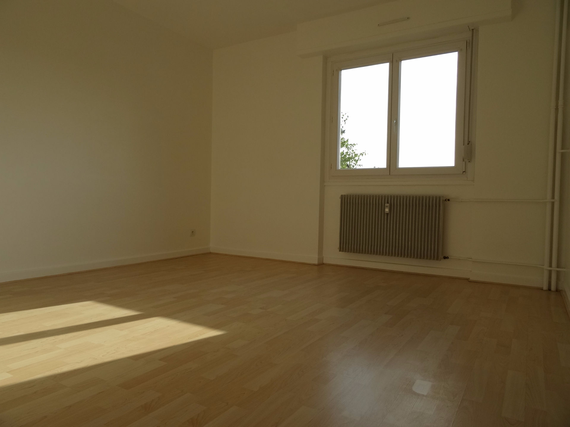 appartement louer caen vide ou meubl. Black Bedroom Furniture Sets. Home Design Ideas