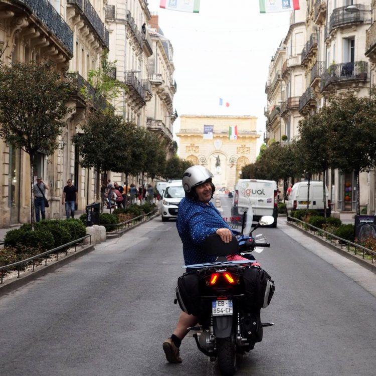 moto taxi termin les heures enti res dans les bouchons. Black Bedroom Furniture Sets. Home Design Ideas